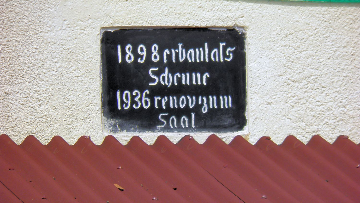 Inscription on the Transylvanian Saxons Hall
