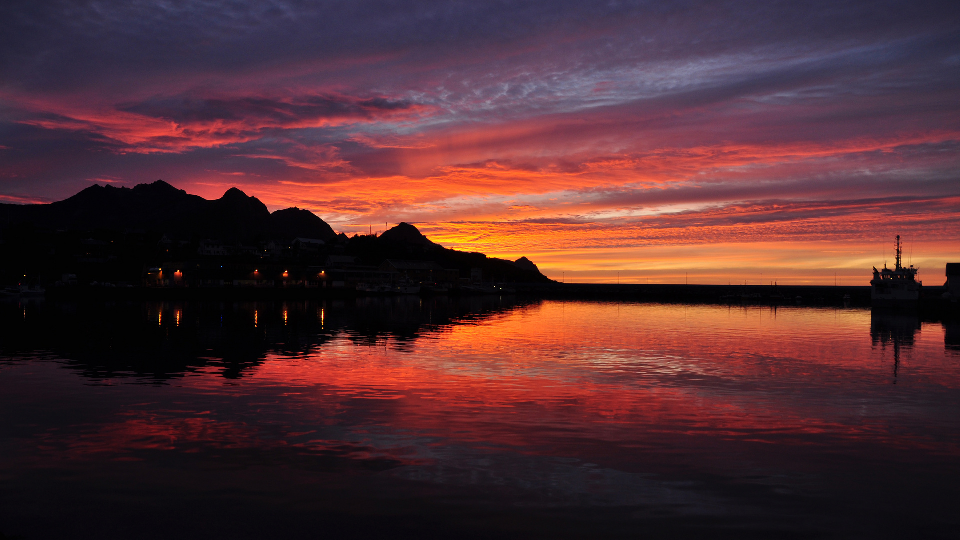 Insel Senja Sonnenuntergang bei Husöy