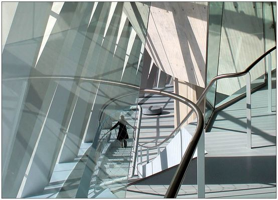 inside the new Mercedes-Benz-Museum 2