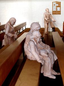 Installation - Anicht 2: Glaube, Liebe, Hoffnung von Claudia Thielicke, Erlöserkirche Landshut
