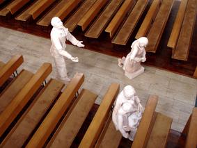 Installation: Glaube, Liebe, Hoffnung von Claudia Thielicke, Erlöserkirche Landshut