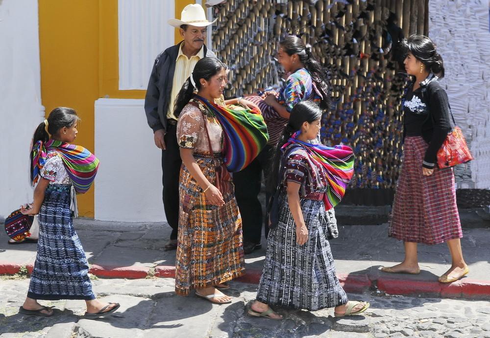 Instantanea    Guatemalteca (Mujeres Etnia  Kakchikel  )