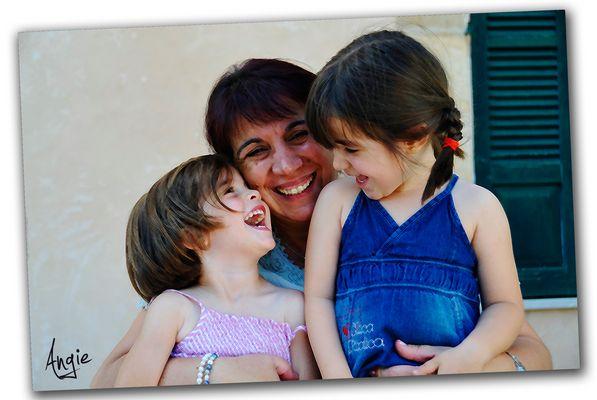 ''Instantes''.Para Isabel Jara y Proyecto'' La sonrisa''