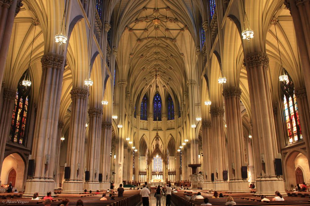 Interior catedral san patricio imagen foto for Catedral de durham interior