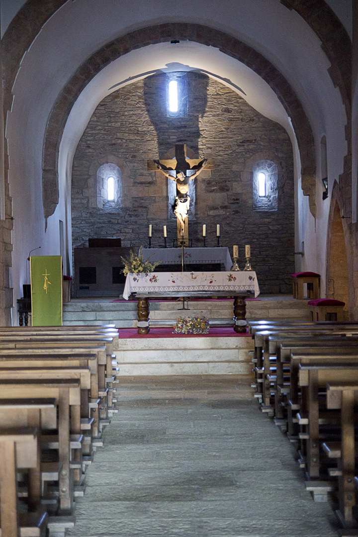 """Interior de la iglesia de """"O CEBREIRO"""""""