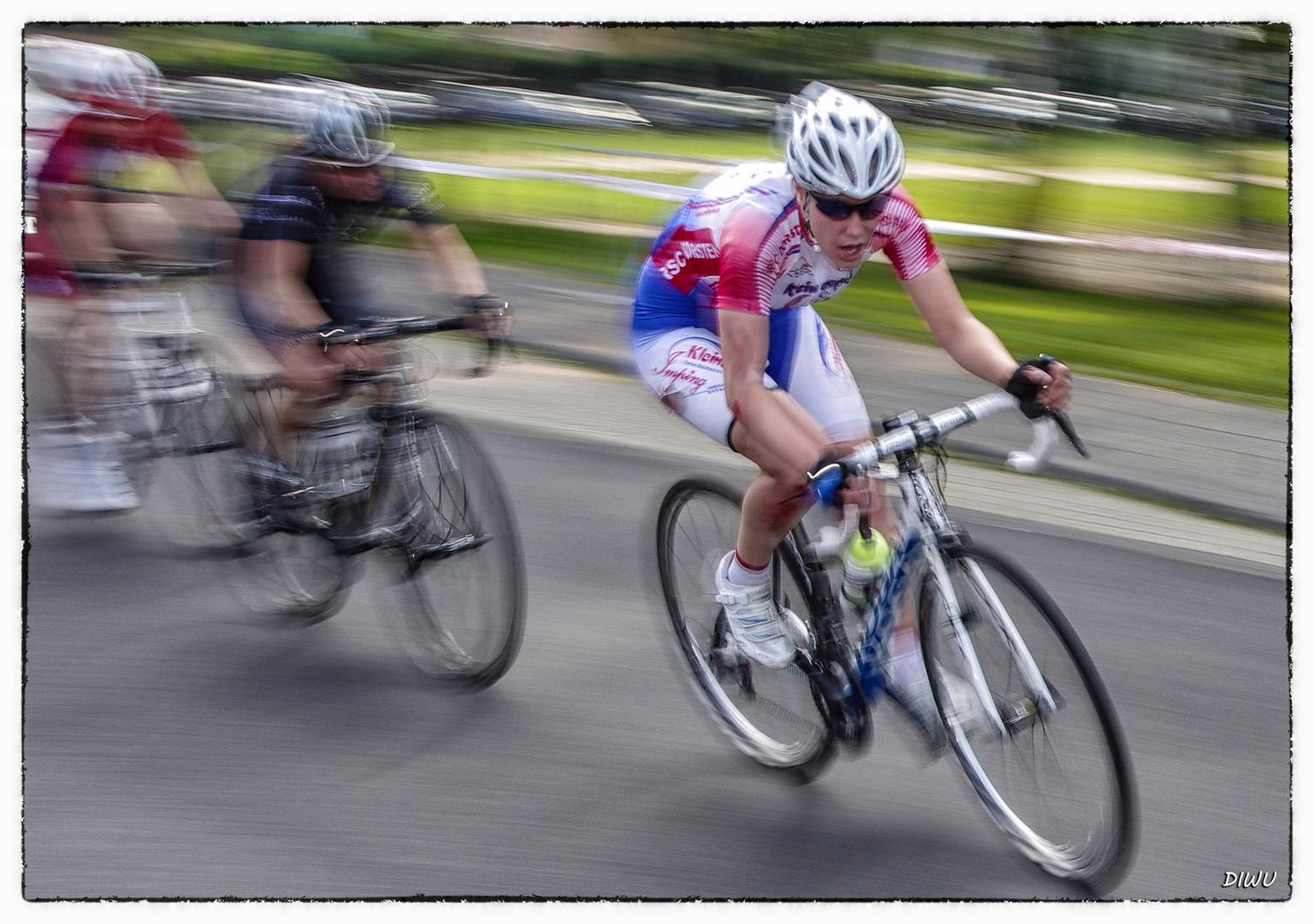 Intern. Radrennen in Spich - Bild 2