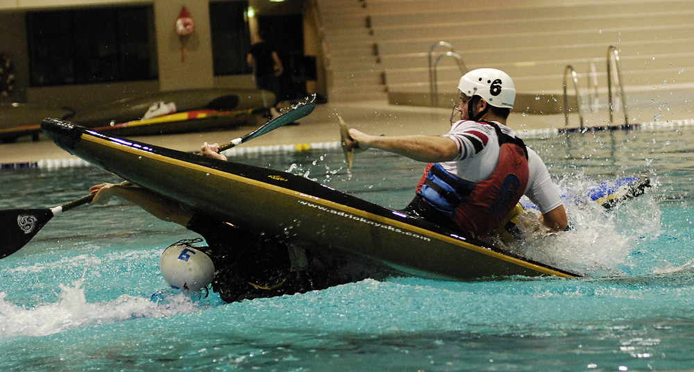 Internationales Indoor Kanu Polo turnier in Zürich