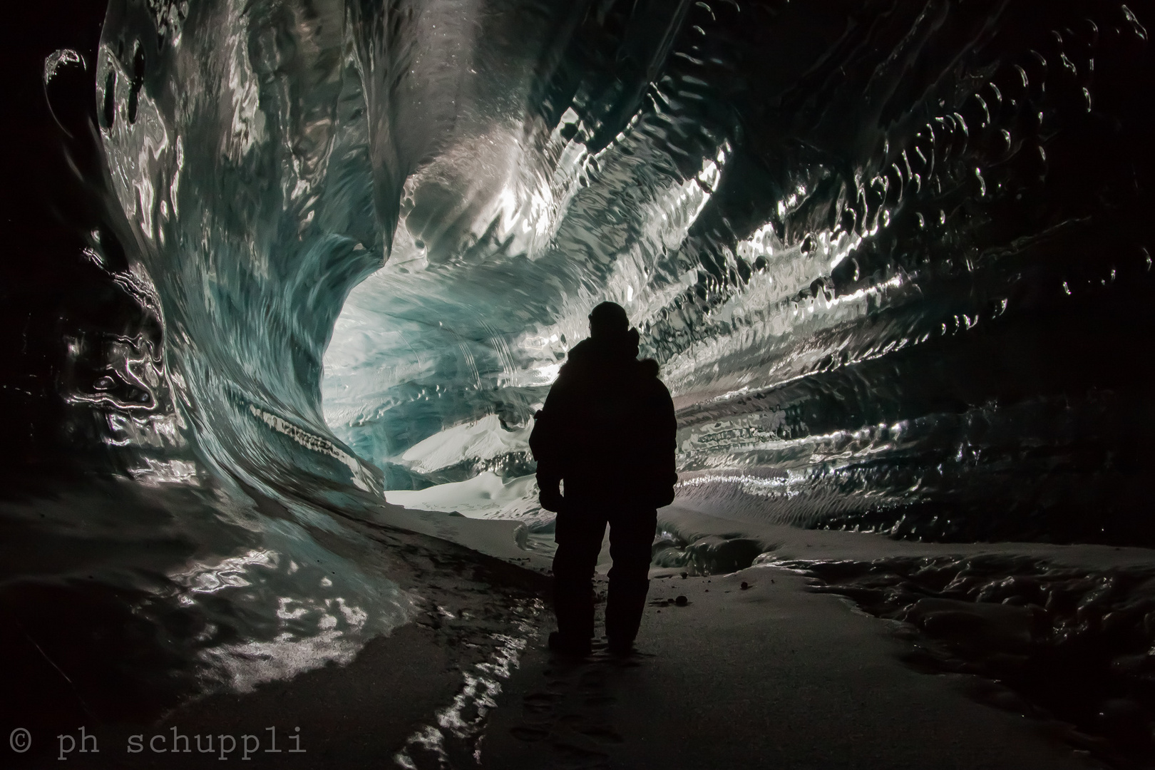 Into the light - Ice cave Paulabreen / Svalbard