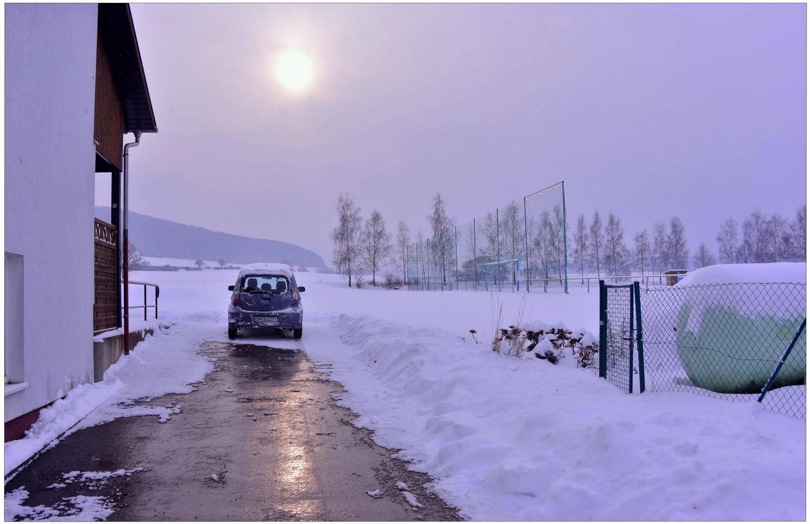 Invierno en el campo de deportes (Winter am Sportplatz)