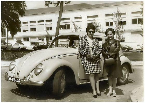 ...io, con mia cara amica Marina , vicine al   mio adorato WV..