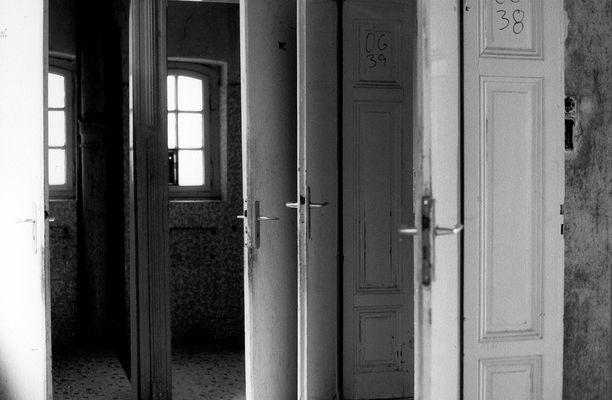 Irrenanstalt - Türen
