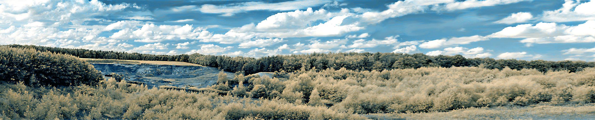 IRres Panorama: Kiesgrube in den Dammer Bergen.
