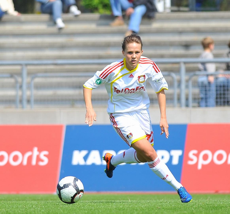 Isabell Linden ( Bayer Leverkusen )