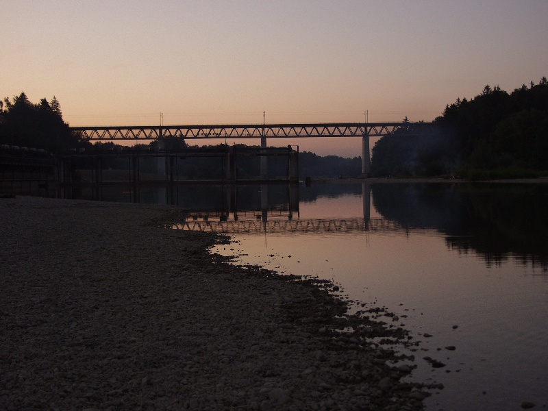 Isar Brücken im August