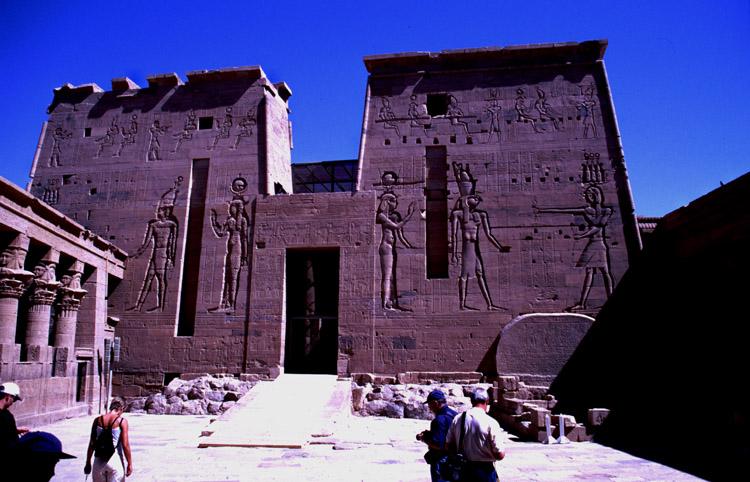 Isis-Tempel auf der Insel Philae bei Assuan