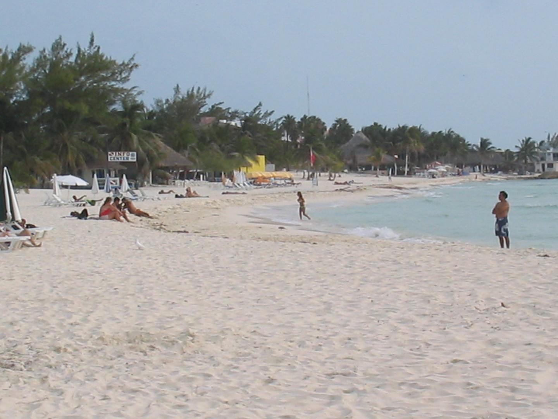Isla Mujeres Beach 4
