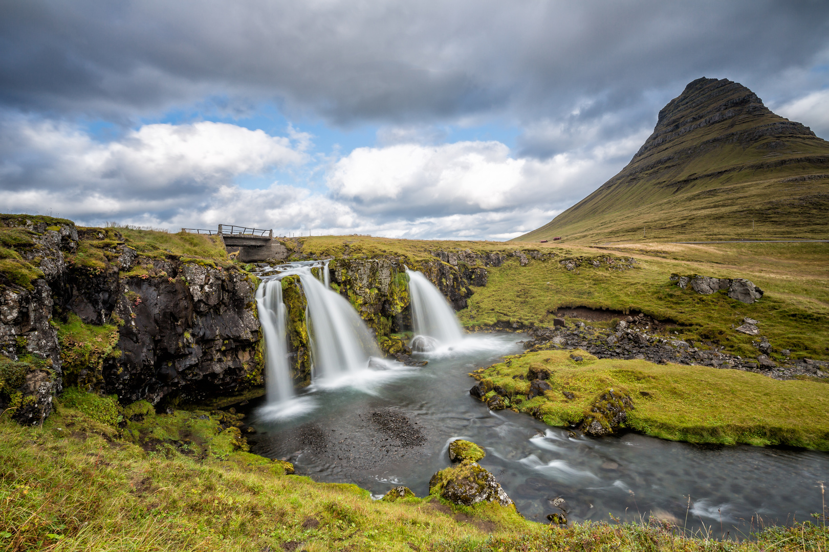 Island {14} Kirkjufellsfoss