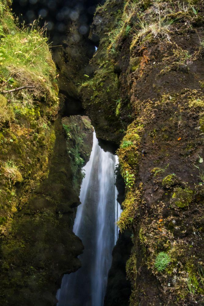 Island - kleiner Wasserfall
