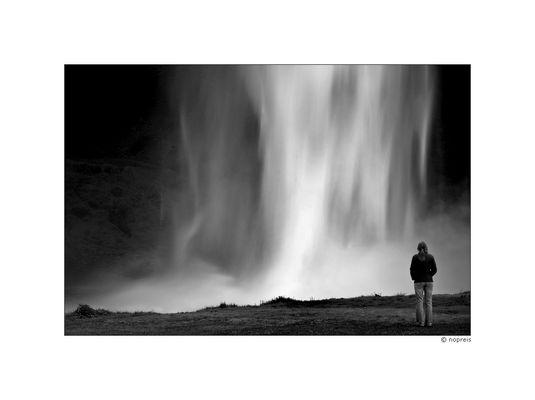 Island - Land der Kontraste: Seljalandsfoss