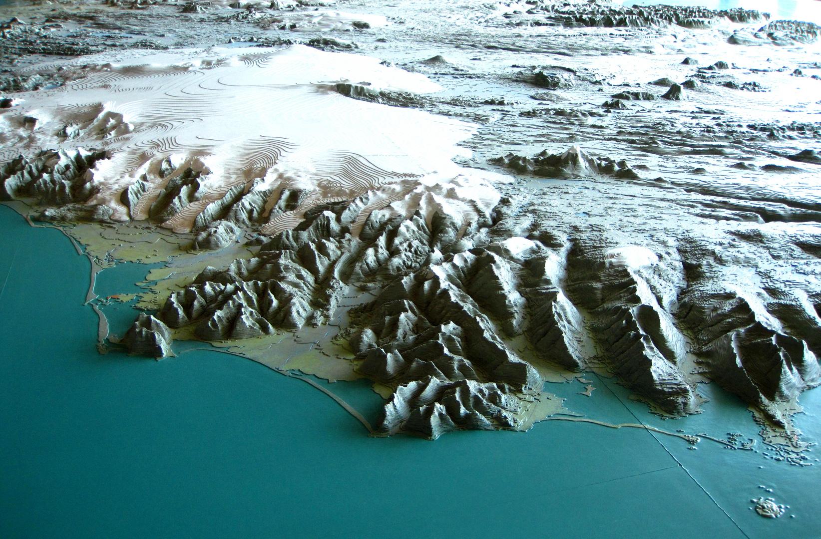 Island von Südosten mit Blick auf den Vatnajökull