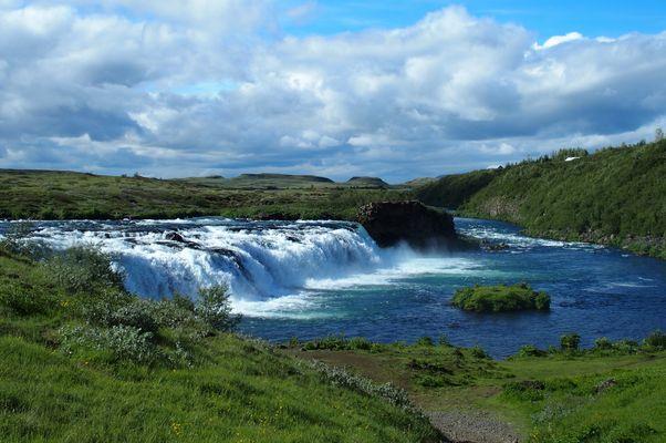 Islande : une cascade toute simple et sans touristes
