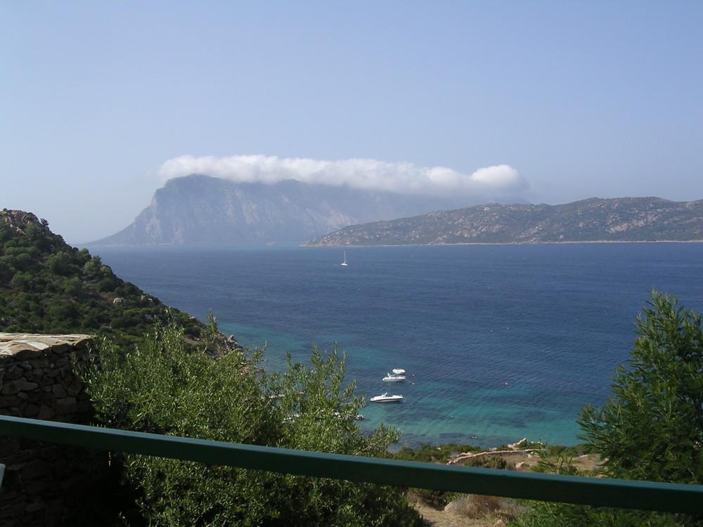 Isola di Tavolara (col cappello)Sardegna