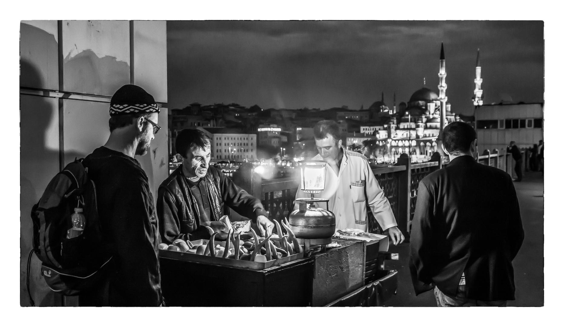 Istanbul bei Nacht - am schönsten mit frisch gegrillter Peperoni