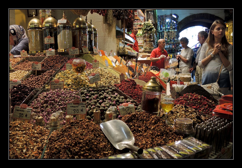 Istanbul Gewürzmarkt am goldenen Horn