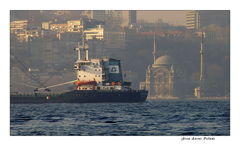 Istanbul in the mist (IV)