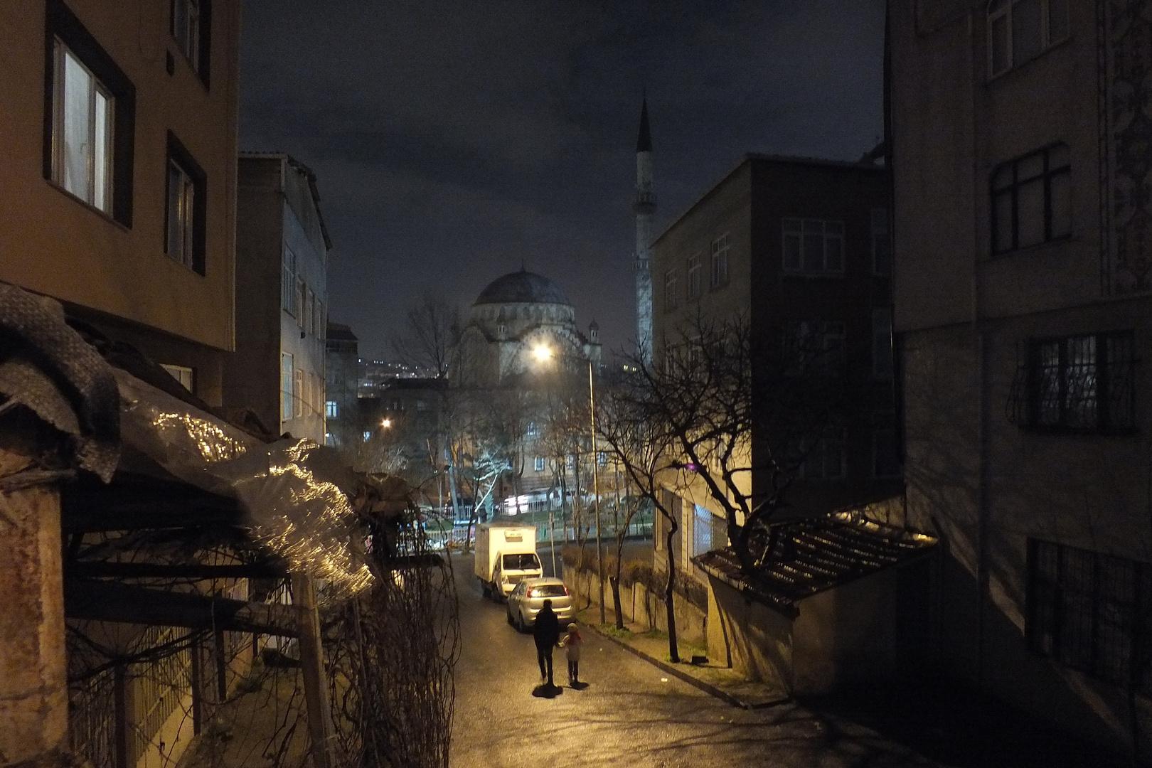 Istanbul, Nebenstraße bei Nacht
