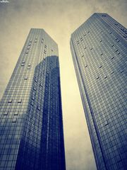 iTwinTowers