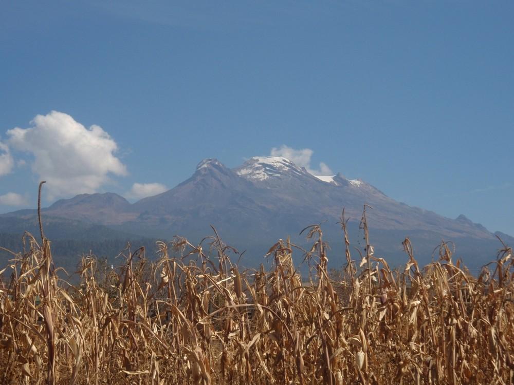 Iztaccizihuatl desde Santa María Huexoculco