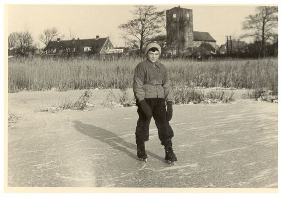 Ja früher , da konnte man im Winter noch Schlittschuh laufen ( 1956 )