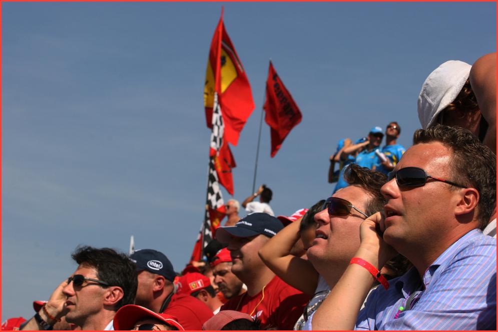 Ja, Monza, da ist Stimmung und Andacht, mal lebt die F1