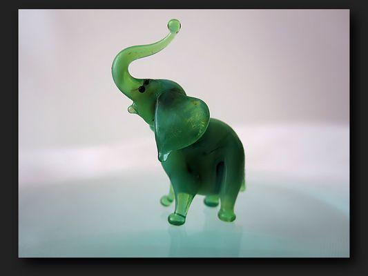 Jade miniature elephant