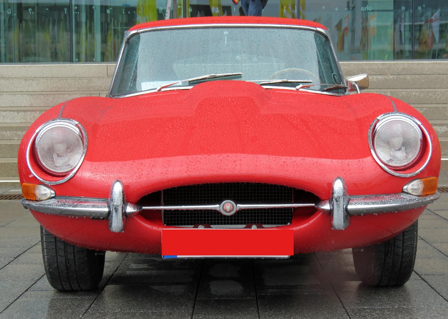 Jaguar Type E von vorn