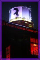 Jahrhunderthalle mit Wasserturm