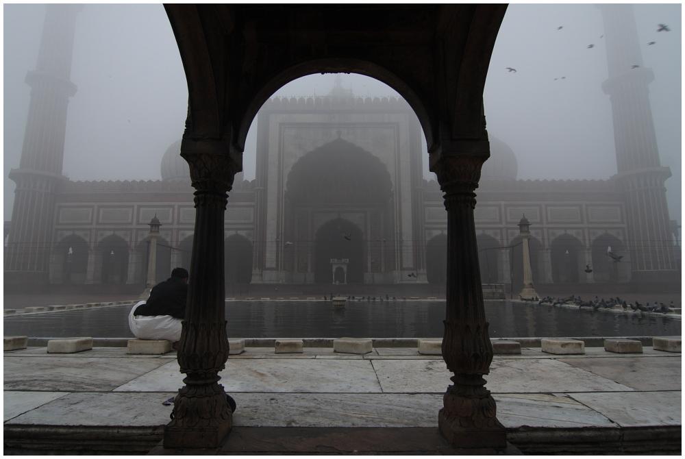 Jama Masjid im Nebel 02