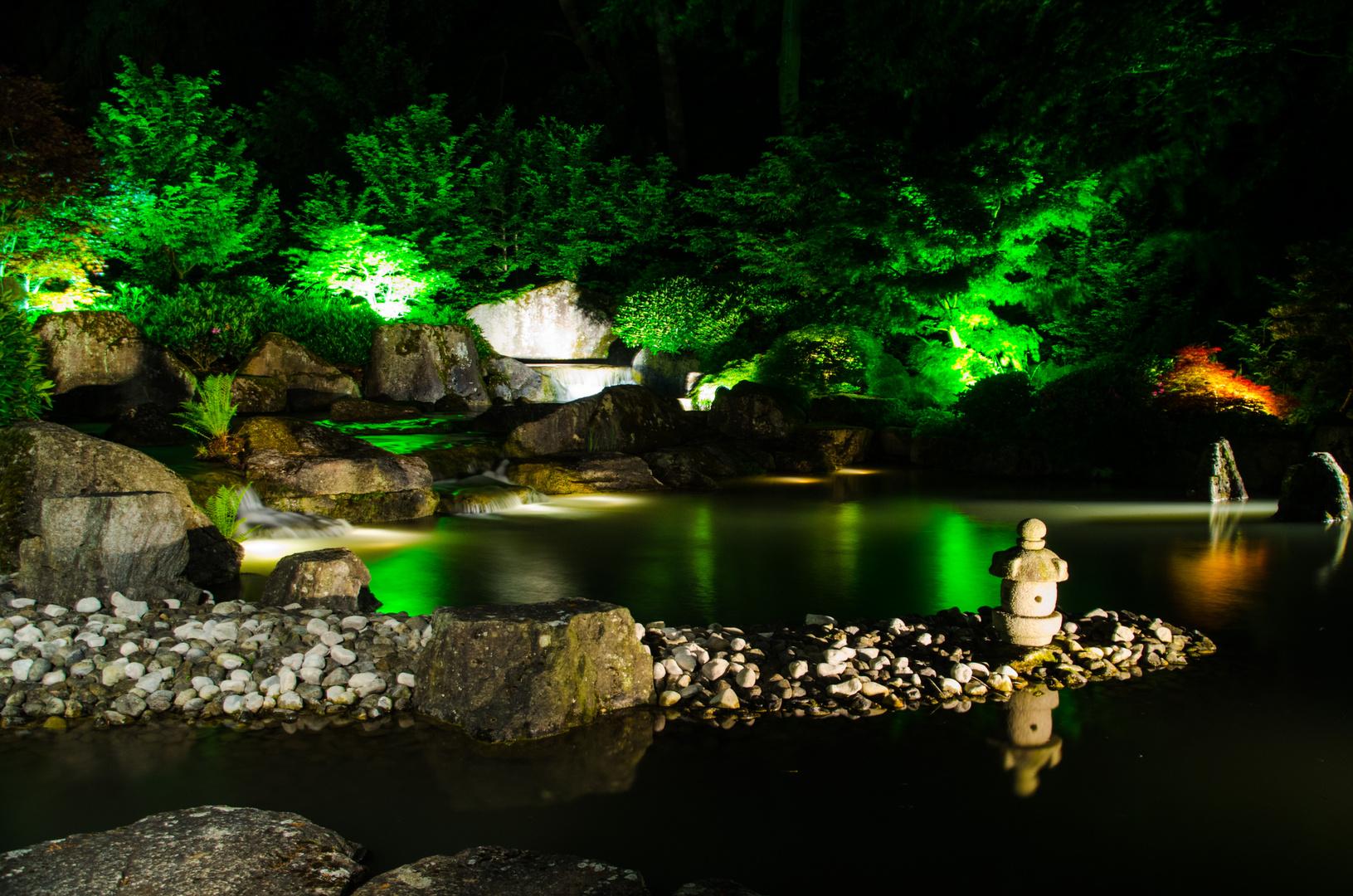 Japangarten bei Nacht