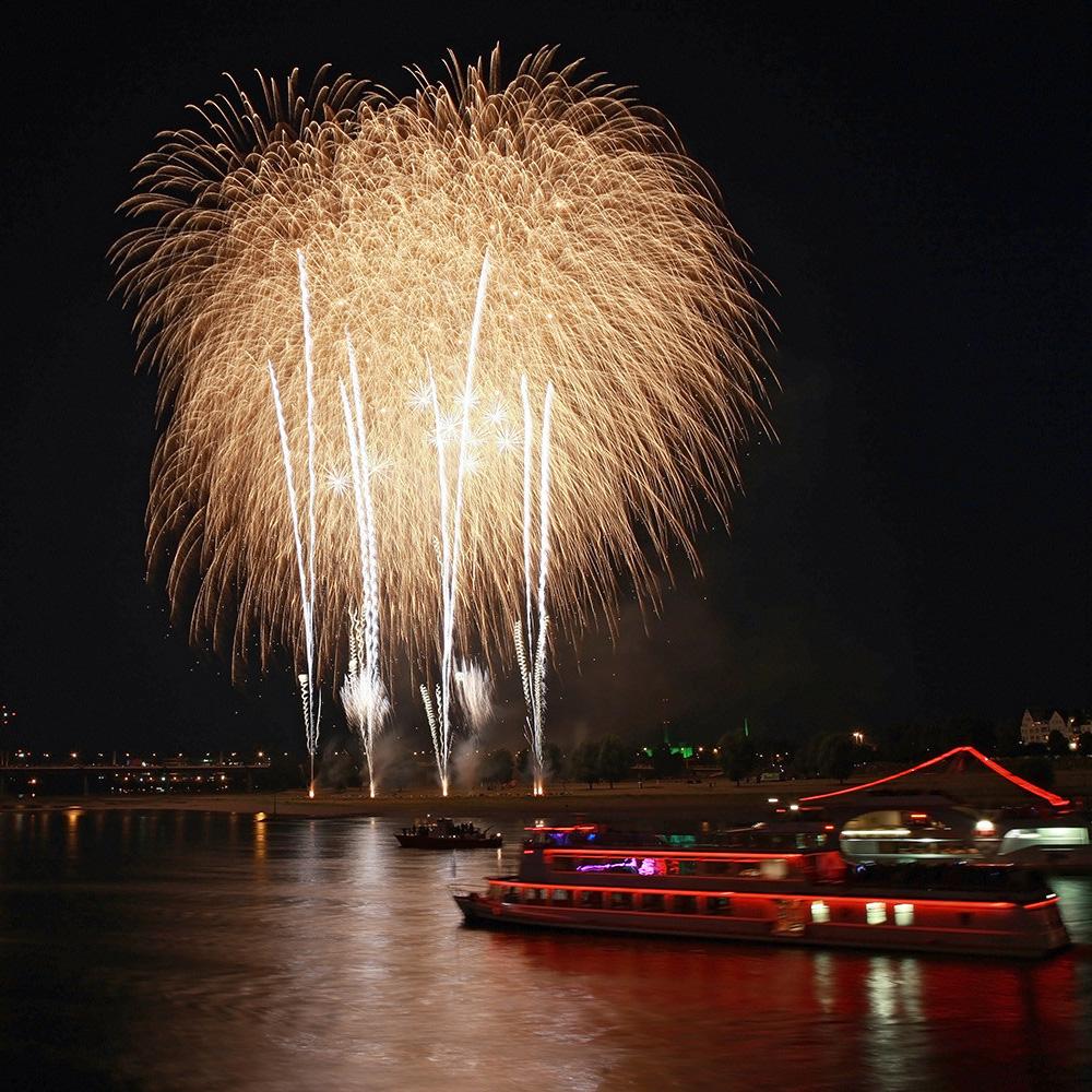 Japantag Düsseldorf 2009 - Feuerwerk 08