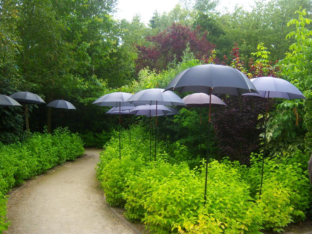Jardin des parapluies ....