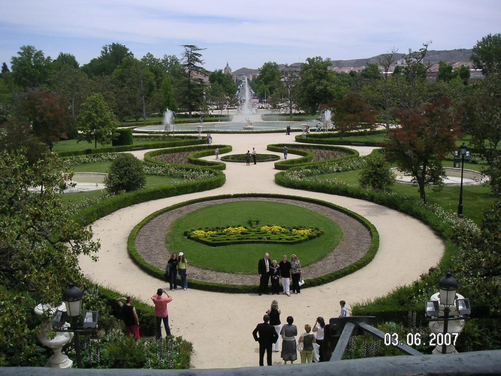 Jardines del palacio de aranjuez imagen foto ciudades for Jardines de aranjuez horario