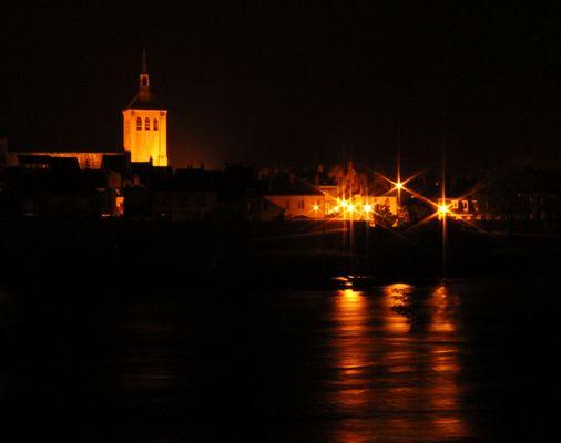 Jargeau au bord de la Loire - nuit