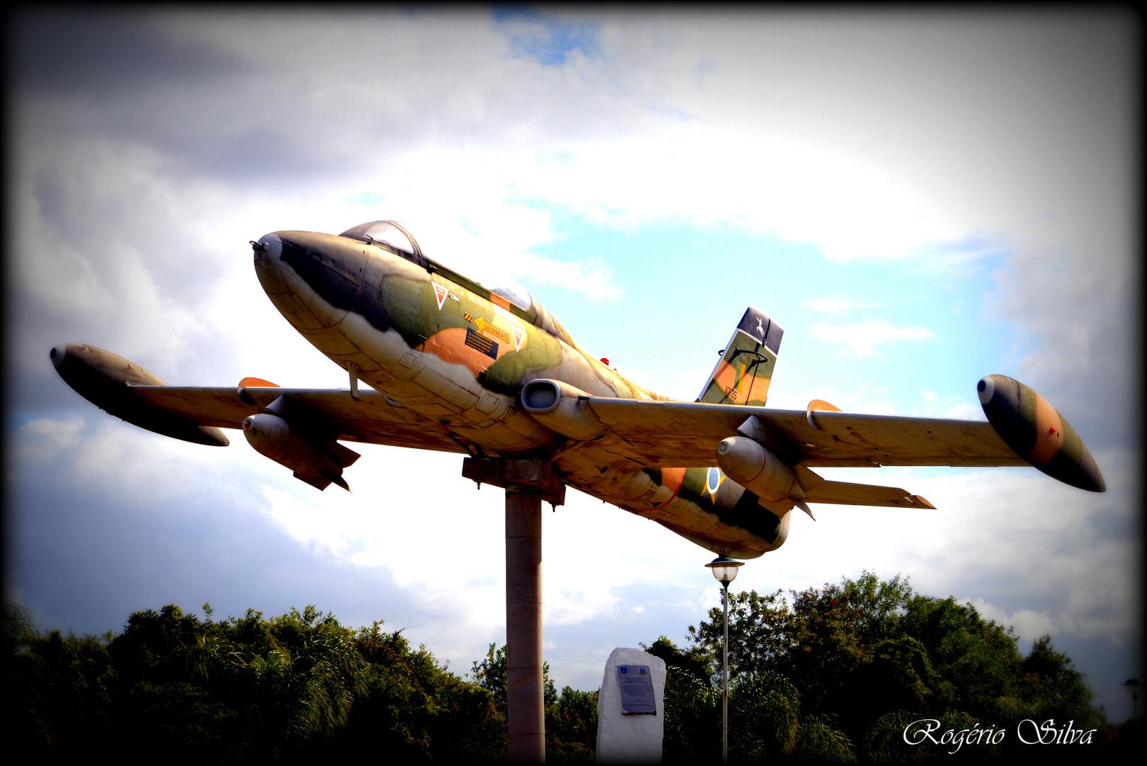 Jato F-5 , Monumento Cidade de Canoas RS BR