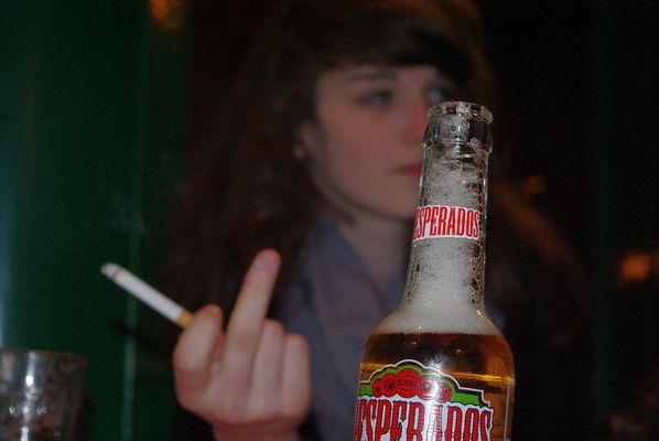 Je fume pour oublier que tu bois. (A.B.)