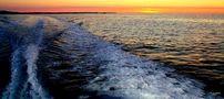 FR: Je me lève après le soleil, mais lui, se couche avant moi : chacun sa vie...(:o) von Lagad