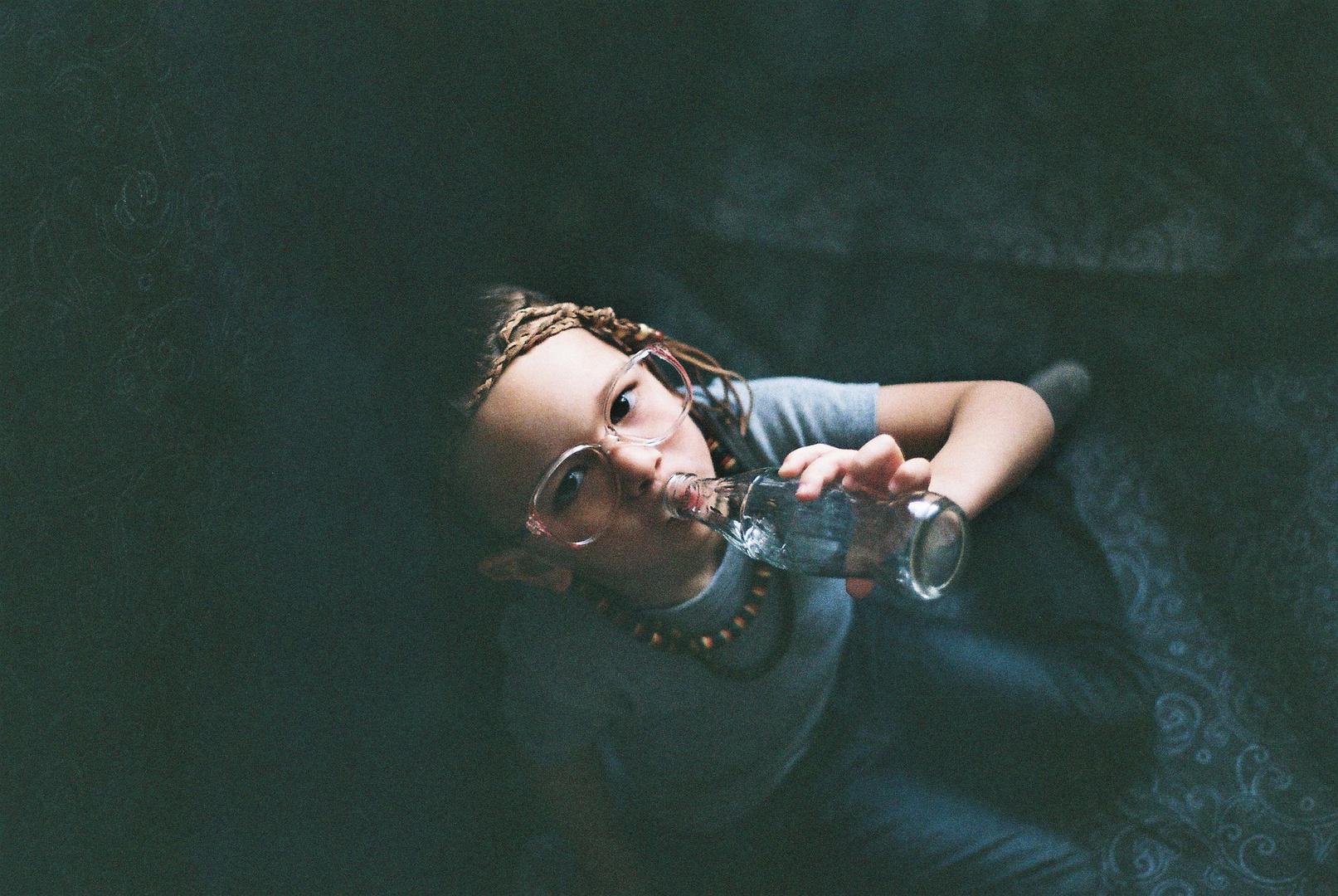 Je ne retomberais pas en enfance, j'y suis toujours restée.
