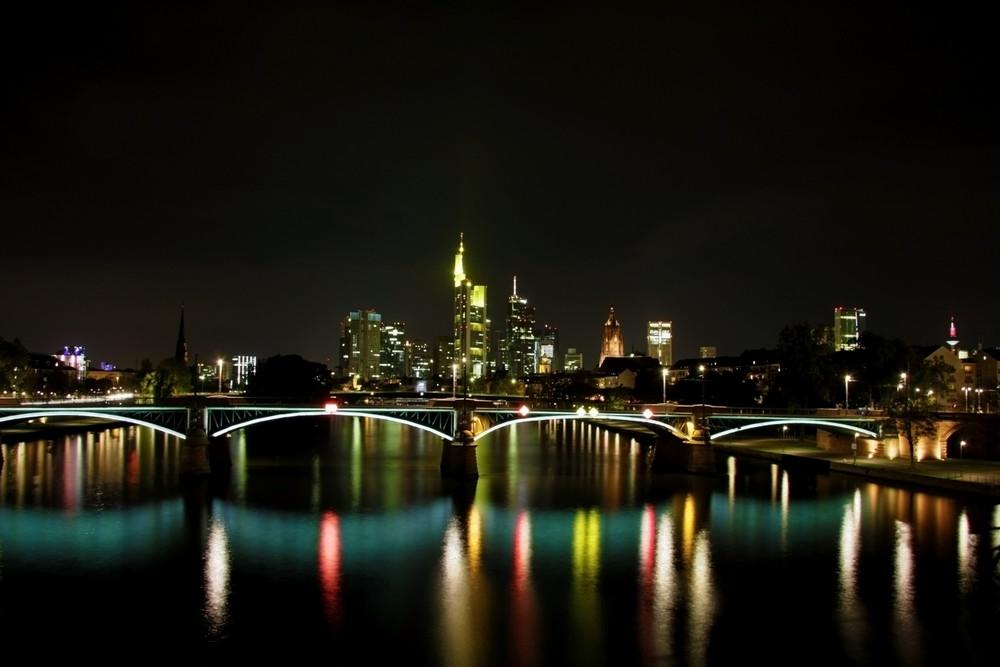 Jeder der schonmal in Frankfurt war, hat wohl das gleiche bild :)