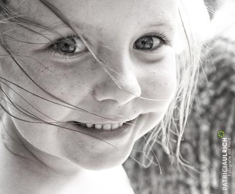 Jedes Lächeln, das du einem anderen schenkst, kommt als Strahlen zu dir zurück.