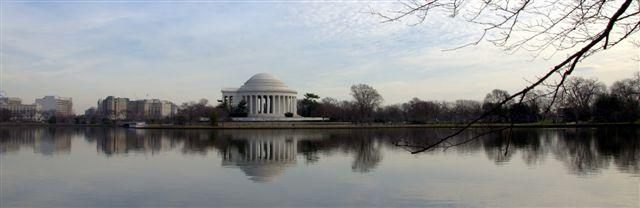 Jeferson Monumento and Tildan Basin, Washington DC. USA